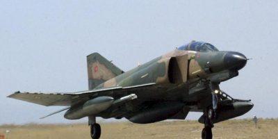 Fotografía de archivo que muestra un Phantom fighter F-4 turco en una localización desconocida. El caza turco derribado por Siria cuando sobrevolaba sus aguas territoriales podría haber vulnerado el espacio aéreo del país vecino. EFE
