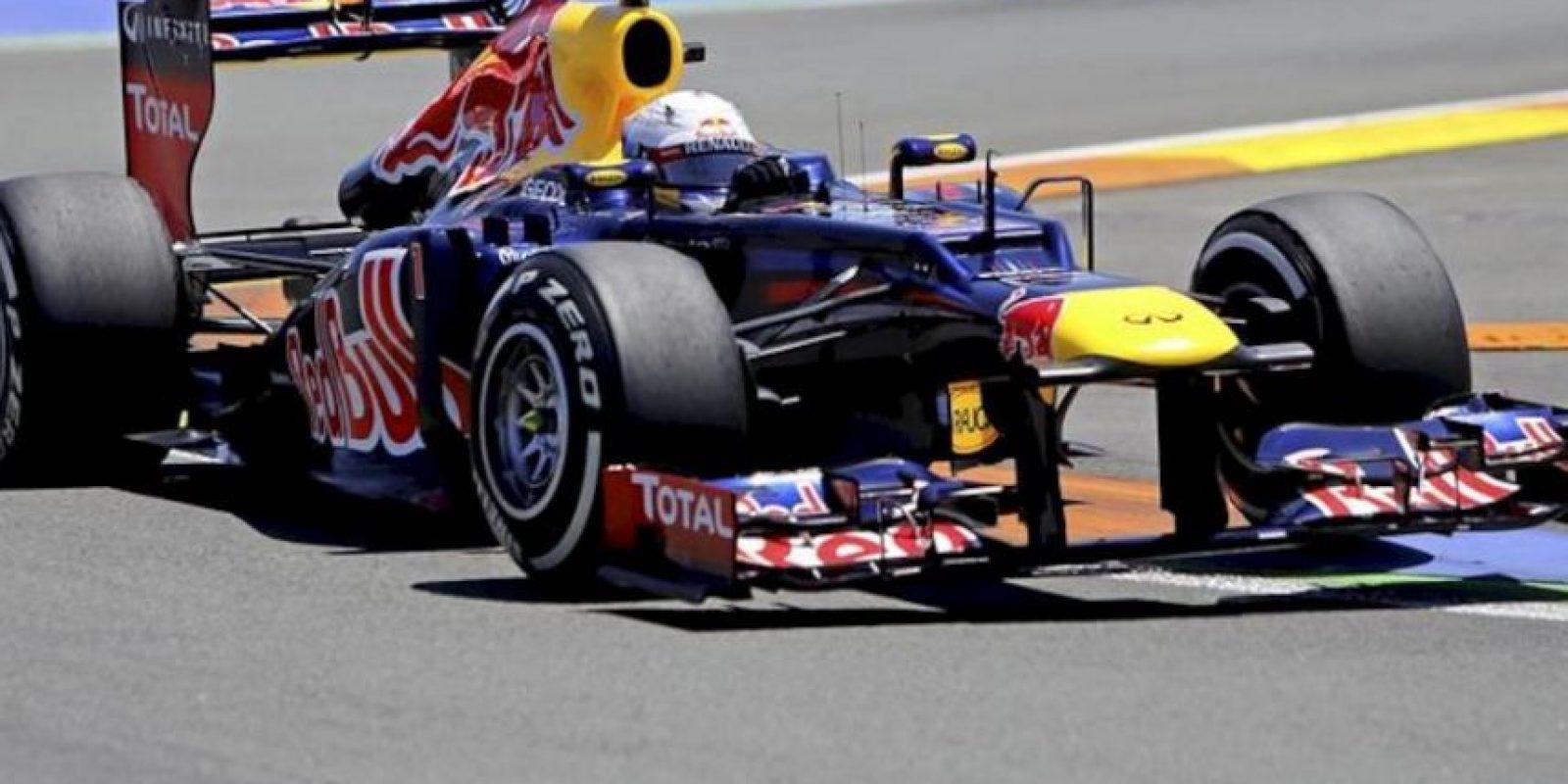 El piloto alemán de Red Bull, Sebastian Vettel, en un momento de la clasificación para el Gran Premio de Europa de Fórmula Uno que se celebra hoy, 23 de junio de 2012, en el circuito urbano de Valencia, donde Vettel consiguió la 'pole position'. EFE