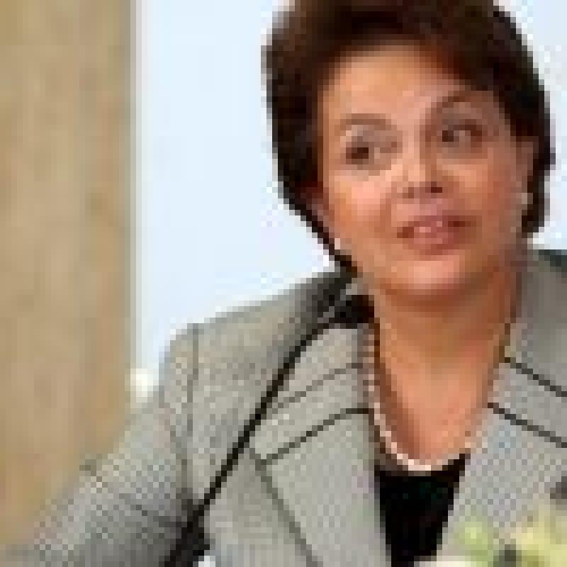 En la imagen un registro de la presidenta de Brasil, Dilma Rousseff. El Gobierno brasileño condenó la destitución del presidente paraguayo, Fernando Lugo y convocó para consultas a su embajador en Asunción. EFE/Archivo