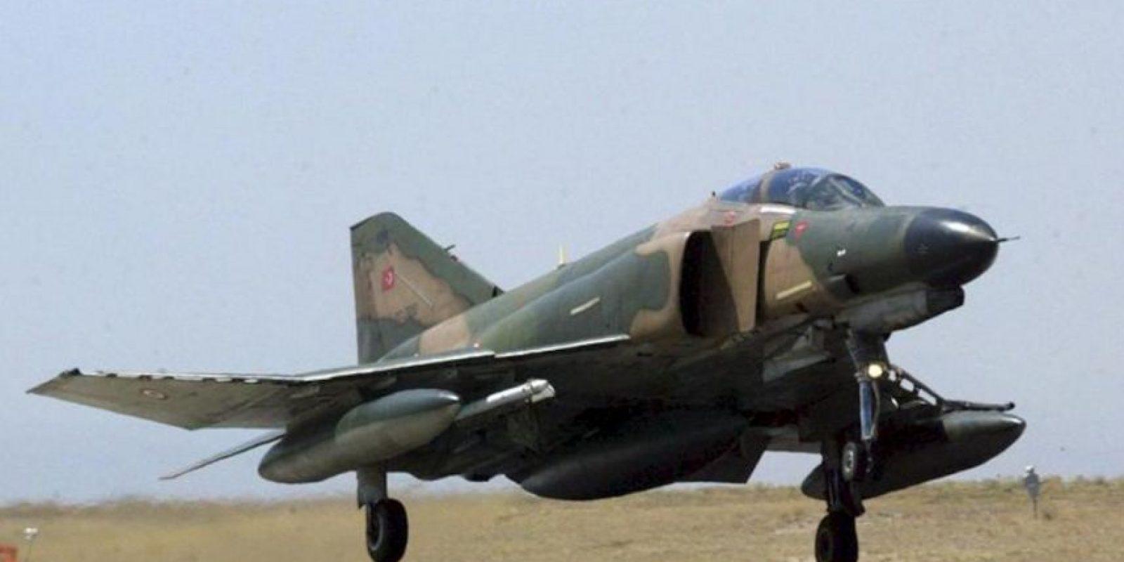 En la imagen, un Phantom fighter F-4 turco en una localización desconocida. EFE/Archivo