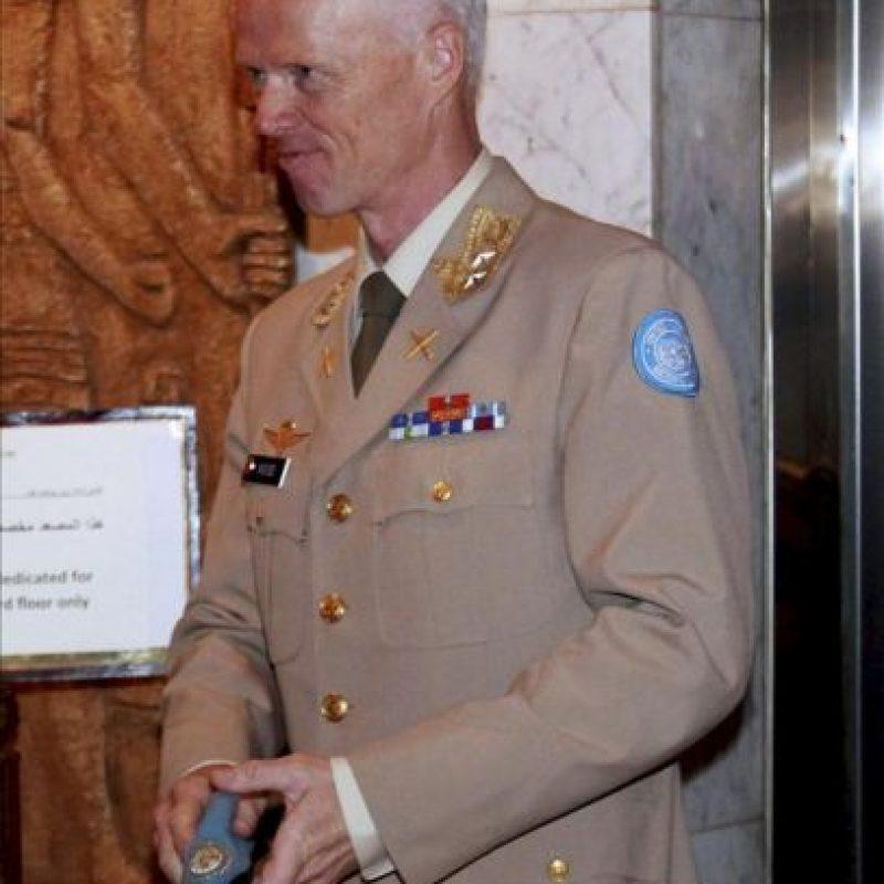 El jefe de la misión de observadores de la ONU en Siria, Robert Mood, en el hotel Dama Rosa en Damasco, Siria, hoy lunes 25 de junio. EFE