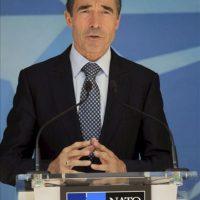 El secretario general de la OTAN, Anders Fogh Rasmussen, responde en rueda de prensa tras la reunión del Consejo Atlántico celebrada en Bruselas, Bélgica, hoy martes 26 de junio. EFE