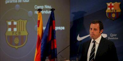 El presidente del FC Barcelona, Sandro Rosell, durante la rueda de prensa que ha ofrecido hoy, 26 de junio, en la que ha hecho balance deportivo de la temporada 2011-2012 y en la que ha anunciado que éste ha acabado con un superávit de más de 40 millones de euros. EFE