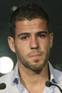 El defensa Álvaro Domínguez, visiblemente emocionado, durante la rueda de prensa que ofreció hoy, 28 de junio de 2012, para despedirse del Atlético de Madrid y de su afición, tras firmar contrato para las próximas cinco temporadas con el Borussia Mönchengladbach alemán. EFE