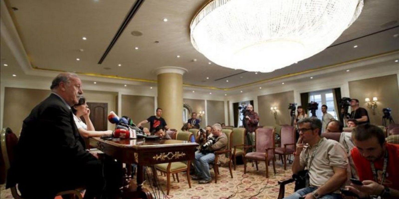 El seleccionador español de fútbol, Vicente del Bosque, durante la rueda de prensa que ofreció en el hotel en el que el equipo español permanecerá concentrado en Kiev, ciudad en la que el próximo domingo disputará la final de la Eurocopa 2012. EFE