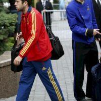 El defensa de la selección española de fútbol Jordi Alba a su llegada hoy, 28 de junio de 2012, al hotel en el que el equipo español permanecerá concentrado en Kiev, ciudad en la que el próximo domingo disputará la final de la Eurocopa 2012. EFE