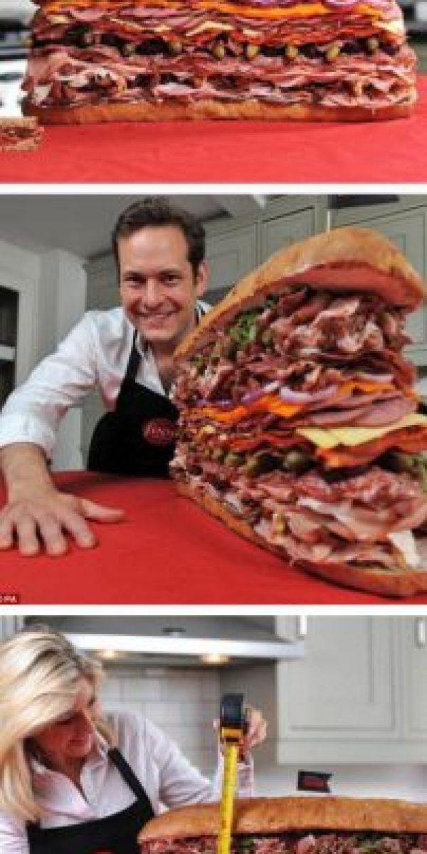 Sandwich con 35 tipos de carne. Foto:Oddee.com
