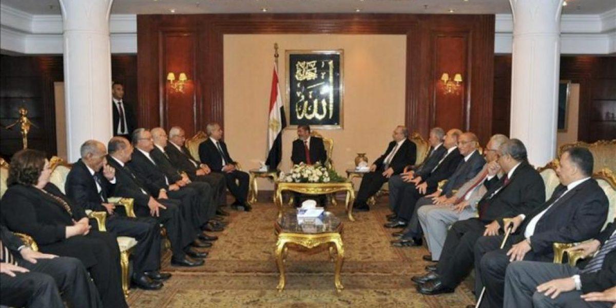 Mursi jura como el primer presidente elegido democráticamente en Egipto
