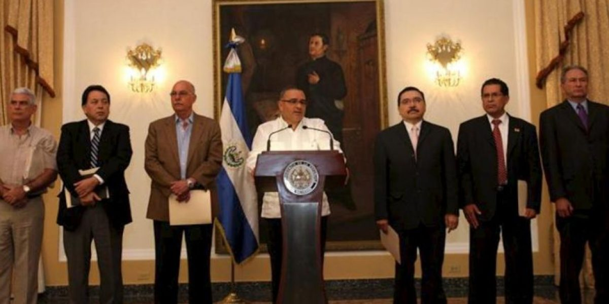 Funes y los partidos sientan las bases de la negociación para superar la crisis salvadoreña