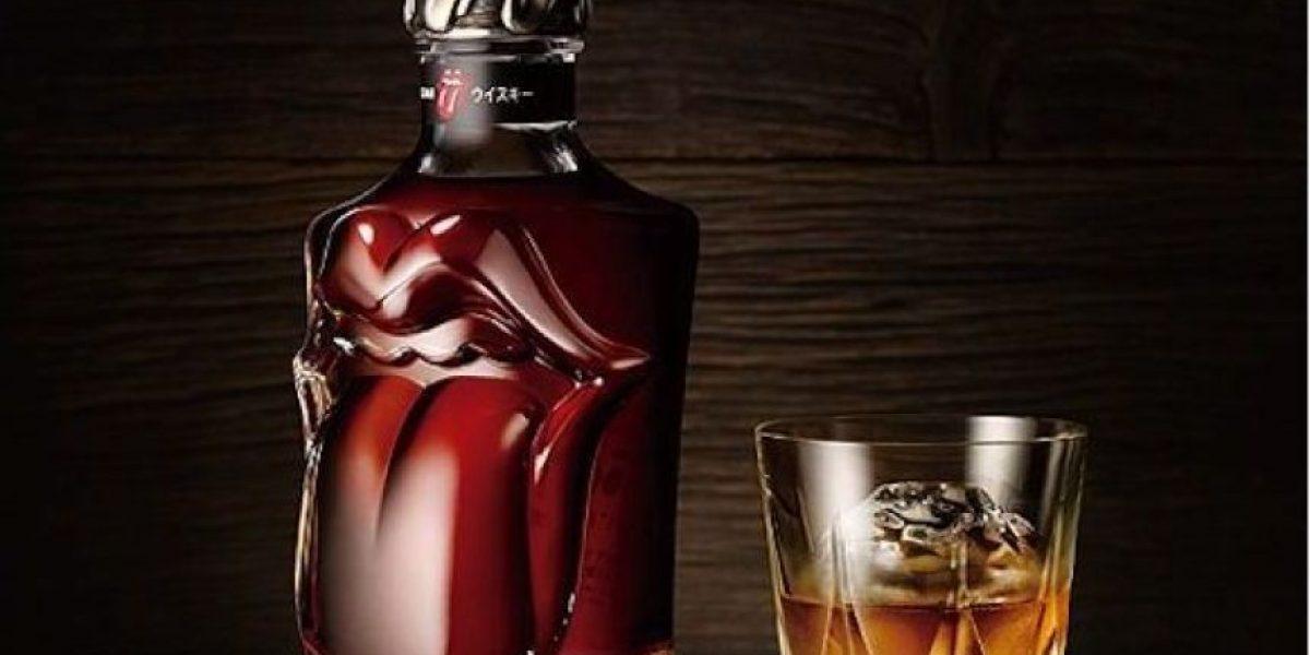 The Rolling Stones lanzan una botella de whisky