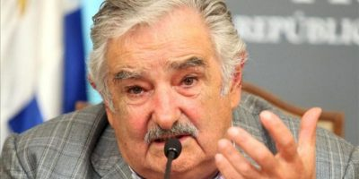 """En la imagen un registro del presidente de Uruguay, José Mujica, quien ratificó que espera reunirse con la presidenta argentina, Cristina Fernández, para """"conversar directamente del tema"""". EFE/Archivo"""