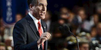 """El candidato republicano a la presidencia de EE.UU., Mitt Romney, pronuncia un discurso en la Convención Nacional Republicana en el Times Forum de Tampa, Florida (EE.UU.). El exgobernador de Massachusetts Romney aceptó la candidatura del Partido Republicano con """"humildad y profundamente conmovido por la confianza depositada en mí"""". EFE"""