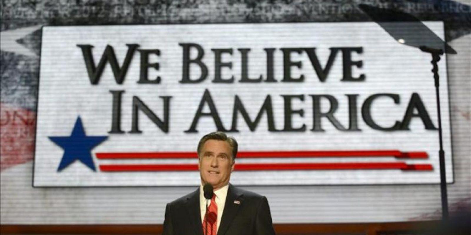 """El candidato republicano a la presidencia de EE.UU., Mitt Romney, pronuncia su discurso en la Convención Nacional Republicana en el Times Forum de Tampa, Florida (EE.UU.). El exgobernador de Massachusetts Romney aceptó la candidatura del Partido Republicano con """"humildad y profundamente conmovido por la confianza depositada en mí"""". EFE"""