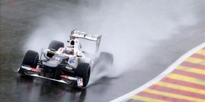 El conductorjaponés de Sauber Kamui Kobayashi derrapa su coche durante los segundos entrenamiento libre para la carrera de Spa-Francorchamps, Bélgica hoy, viernes 31 de agosto de 2012. El Gran premio de Bélgica 2012 se celebrará el 2 de septiembre. EFE