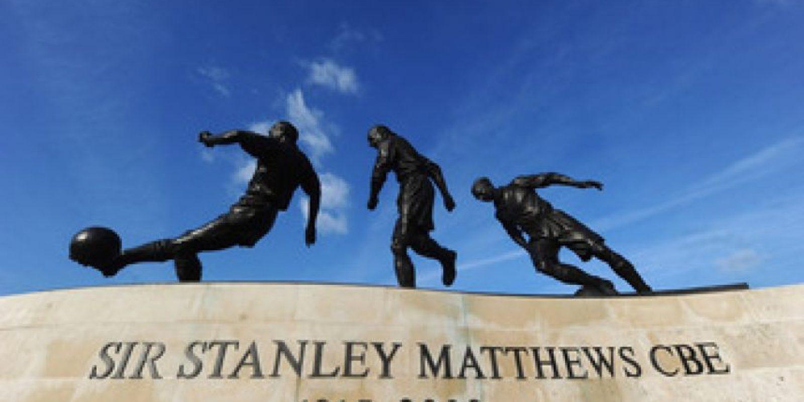 Ésta es de Sir Stanley Matthews y se encuentra en el Brittania Stadium, casa del Stoke City Foto:Publimetro México