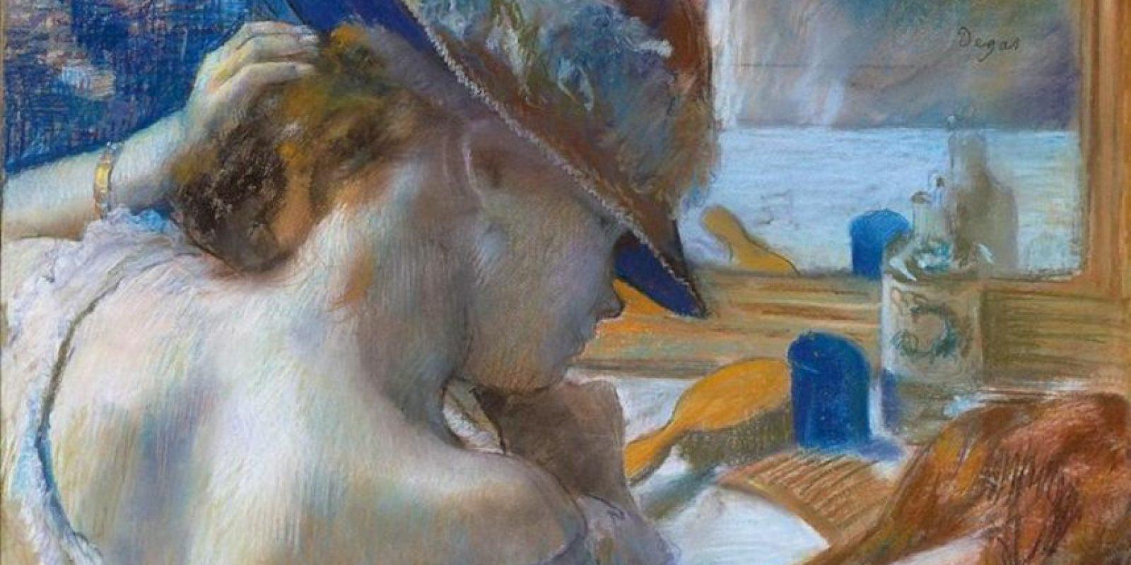 """Imagen cedida por la Funación Beyerler de la obra """"Devant le miroir"""" (1889) de Edgar Degas, que forma parte de una exposición retrospectiva que dedica la Fundación Beyeler, de Basilea, a las obras tardías de este autor, influenciadas por la corriente del Modernismo y por una clara obsesión por el éxtasis cromático. EFE"""