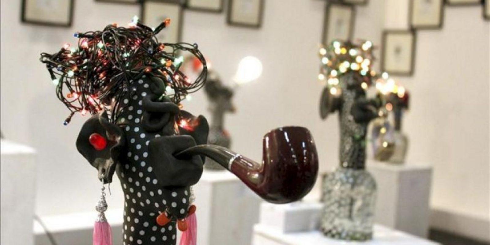 Esculturas tridimensionales a base de luz, vidrio, plástico o cerámica en la feria United Art Fair, la primera gran muestra india de arte independiente, que reúne en Nueva Delhi el trabajo cientos de jóvenes artistas de toda la India. EFE