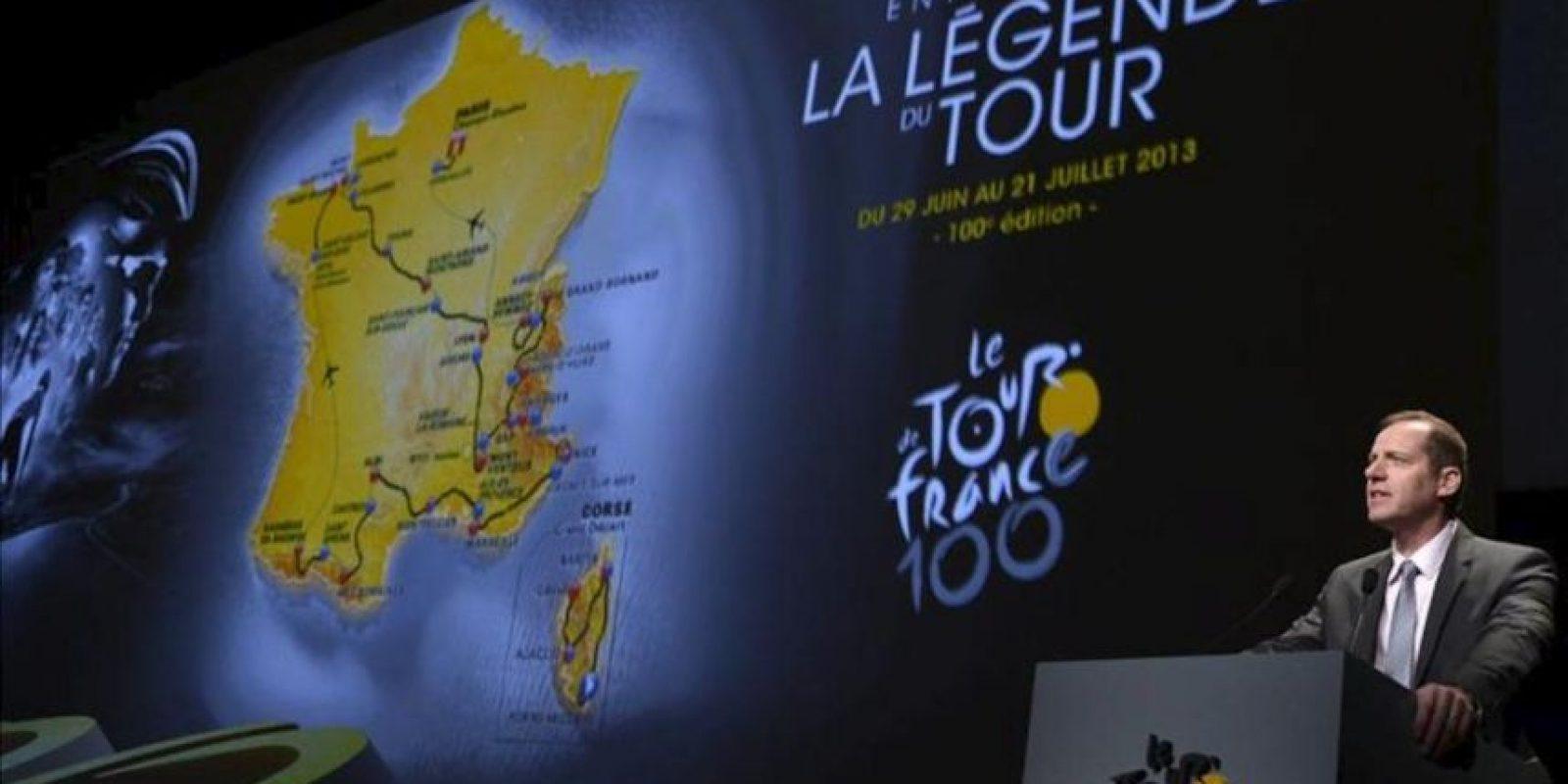 El director general del Tour de Francia, Christian Prudhomme, da un discurso durante la presentación presentación del recorrido de la ronda gala hoy en París (Francia). La prueba comenzará el 29 de junio en Poro Vecchio y finalizará el 21 de julio en París. EFE