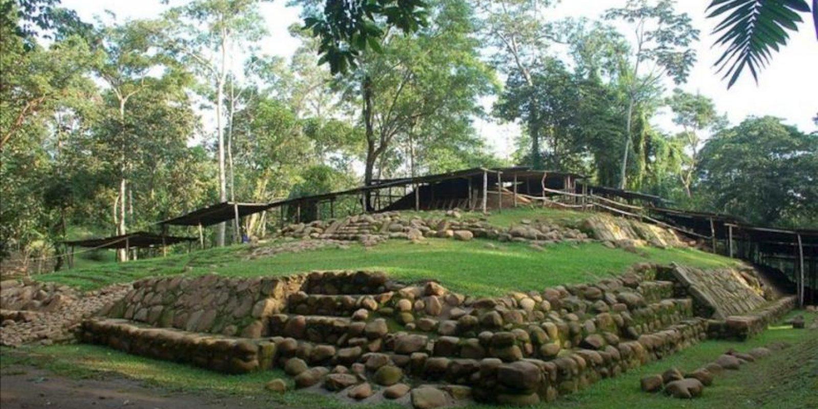 """Fotografía cedida por el ministerio de Cultura de Guatemala muestra el Parque Nacional Arqueológico Tak'alik Ab'ajImagen donde se encontró la tumba del gobernante """"K'utz Chman, que en lengua Mam significa """"Abuelo Buitre"""", considerado el más antiguo de la era maya en Mesoamérica, descubierta en junio pasado, ubicado en el municipio de El Asintal (Guatemala). EFE"""