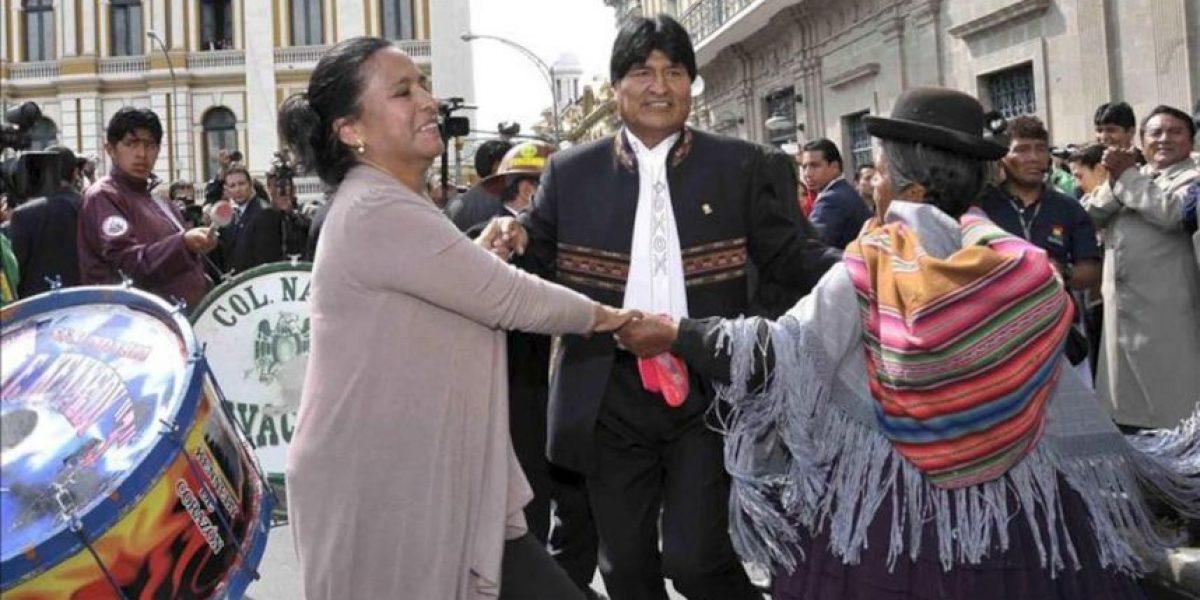 Morales baila a las puertas del Palacio de Gobierno por su 53 cumpleaños