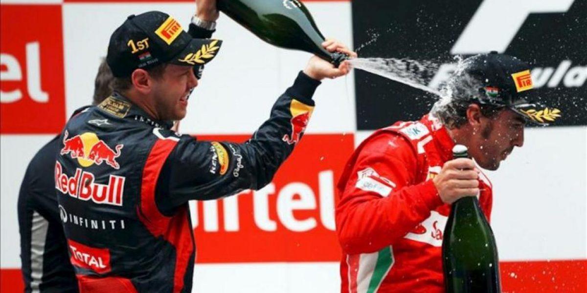 Vettel vence en India, pero un gran Alonso queda segundo y evita la sangría