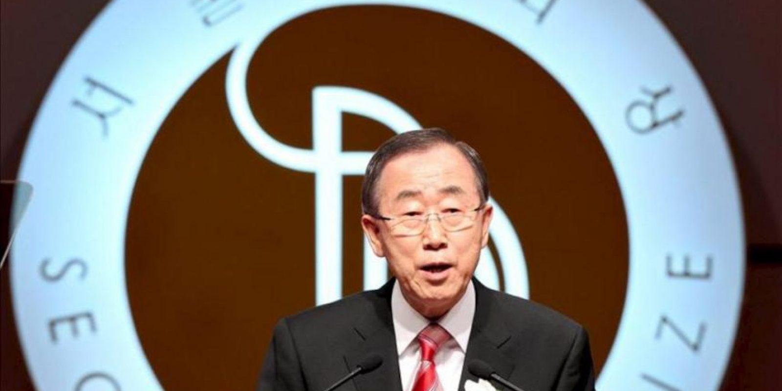 El secretario general de Naciones Unidas, Ban Ki-moon, se dirige a los presentes tras recibir el premio de la Paz de Seúl durante la ceremonia celebrada en Seúl, Corea del Sur, hoy, lunes 29 de octubre. EFE