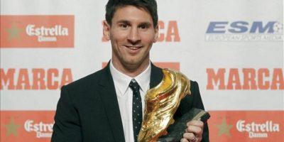 El delantero argentino del FC Barcelona Lionel Messi ha recibido hoy, por segunda vez en su carrera deportiva, la Bota de Oro que le acredita como el máximo goleador de las Ligas Europeas. EFE