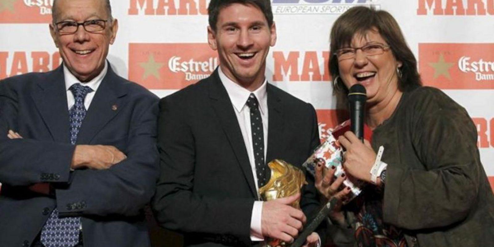 El delantero argentino del FC Barcelona Lionel Messi, que ha recibido este mediodía, por segunda vez en su carrera deportiva, la Bota de Oro que le acredita como el máximo goleador de las Ligas Europeas de la pasada temporada con 50 tantos. EFE