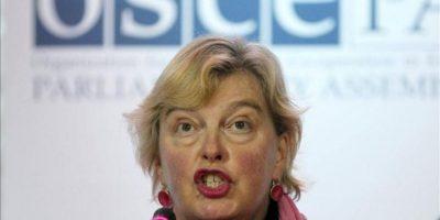 La enviada especial como observadora de la OSCE en Ucrania Walburga Habsburgo Douglas habla en una rueda de prensa convocada en Kiev, Ucrania hoy, lunes 29 de octubre de 2012. EFE