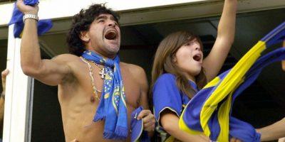 Nunca ha dejado de seguir los pasos de Boca Juniors y Dalma, su hija, lo acompaña en su gran pasión. En el clásico del 2006 celebraron el gol de Martín Palermo al igual que los demás hinchas Foto:AFP