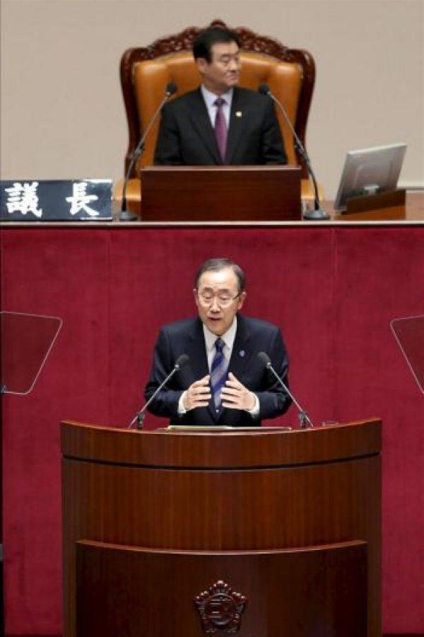 """El secretario general de las Naciones Unidas, Ban Ki-Moon (c), pronuncia un discurso en el encuentro """"ONU y Corea: Juntos para construir el futuro que queremos"""", hoy, martes 30 de octubre de 2012, en la sede de la Asamblea Nacional en Seúl (Corea del Sur). EFE"""