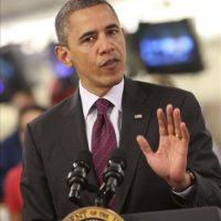 El presidente de Estados Unidos, Barack Obama se dirige a los medios de comunicación en la sede de la Cruz Roja de Washington, Estados Unidos. EFE
