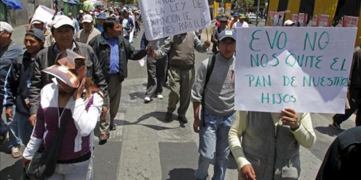 Miles de comerciantes bolivianos rechazan ley para confiscar bienes ilegales