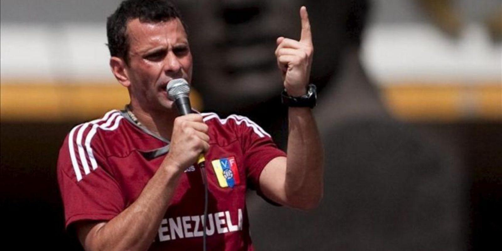 En la imagen, Henrique Capriles quien aspira a ser reelegido como gobernador de Miranda. EFE/Archivo