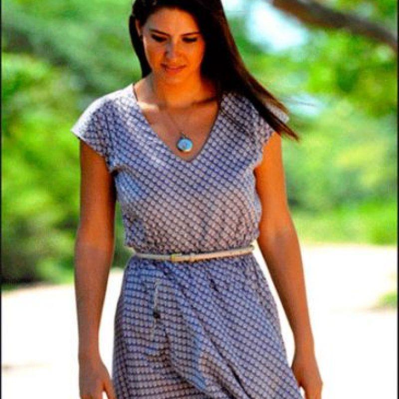 La actriz y modelo Taliana Vargas en su papel de Clara Cabello. Foto:caracoltv.com