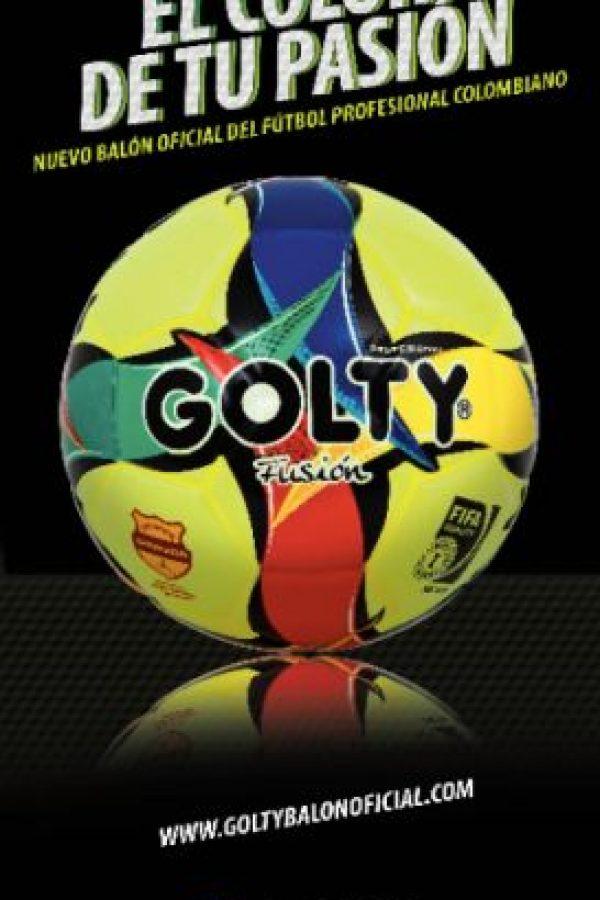 Golty Fusión, el color de tu pasión. Es el balón actúal del FPC. Foto:Golty