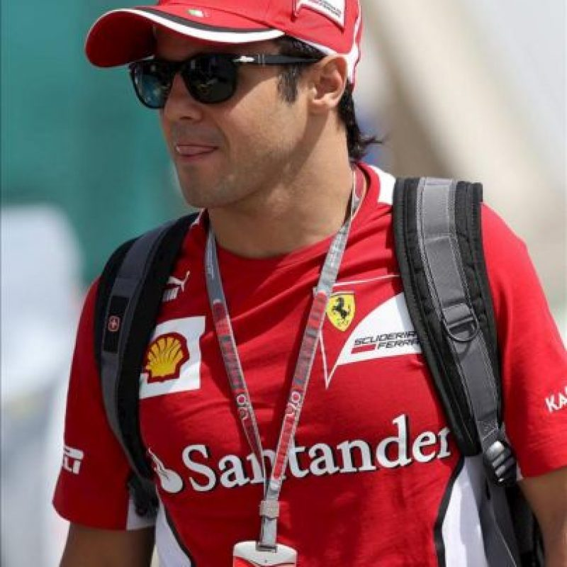 El piloto español Fernando Alonso hoy en el autódromo de Interlagos en la ciudad de Sao Paulo (Brasil), donde el próximo domingo 25 se celebra la última carrera del Mundial 2012 de Fórmula Uno, el Gran Premio de Brasil. EFE