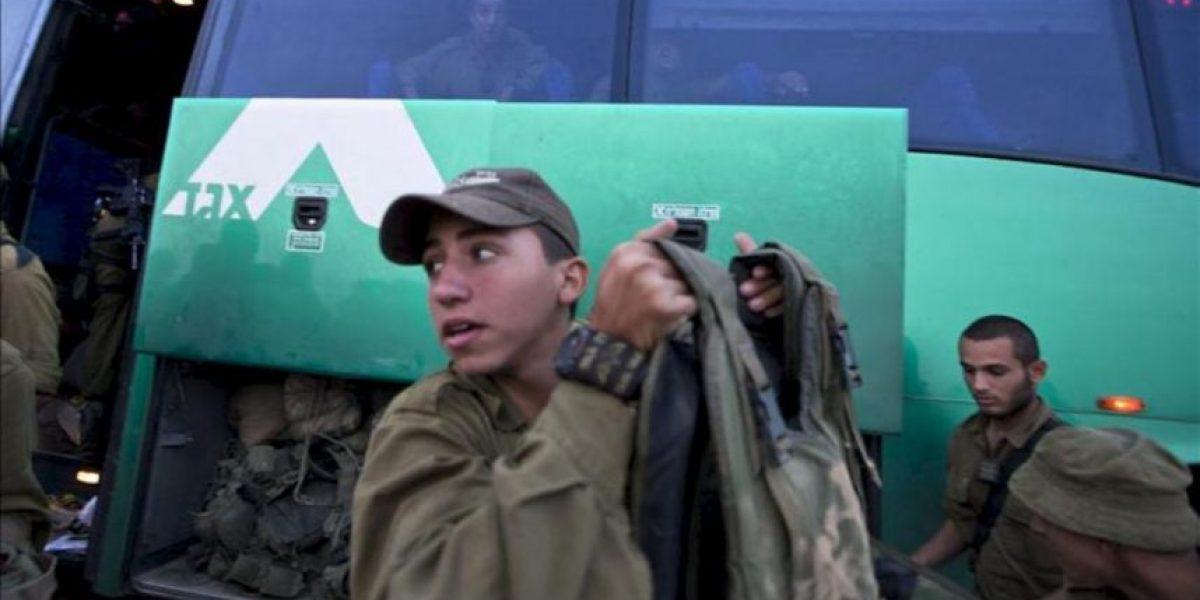 Los reservistas israelíes movilizados regresan a sus hogares con críticas