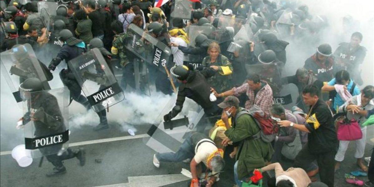 Los manifestantes suspenden la protesta en Bangkok tras los choques con la Policía