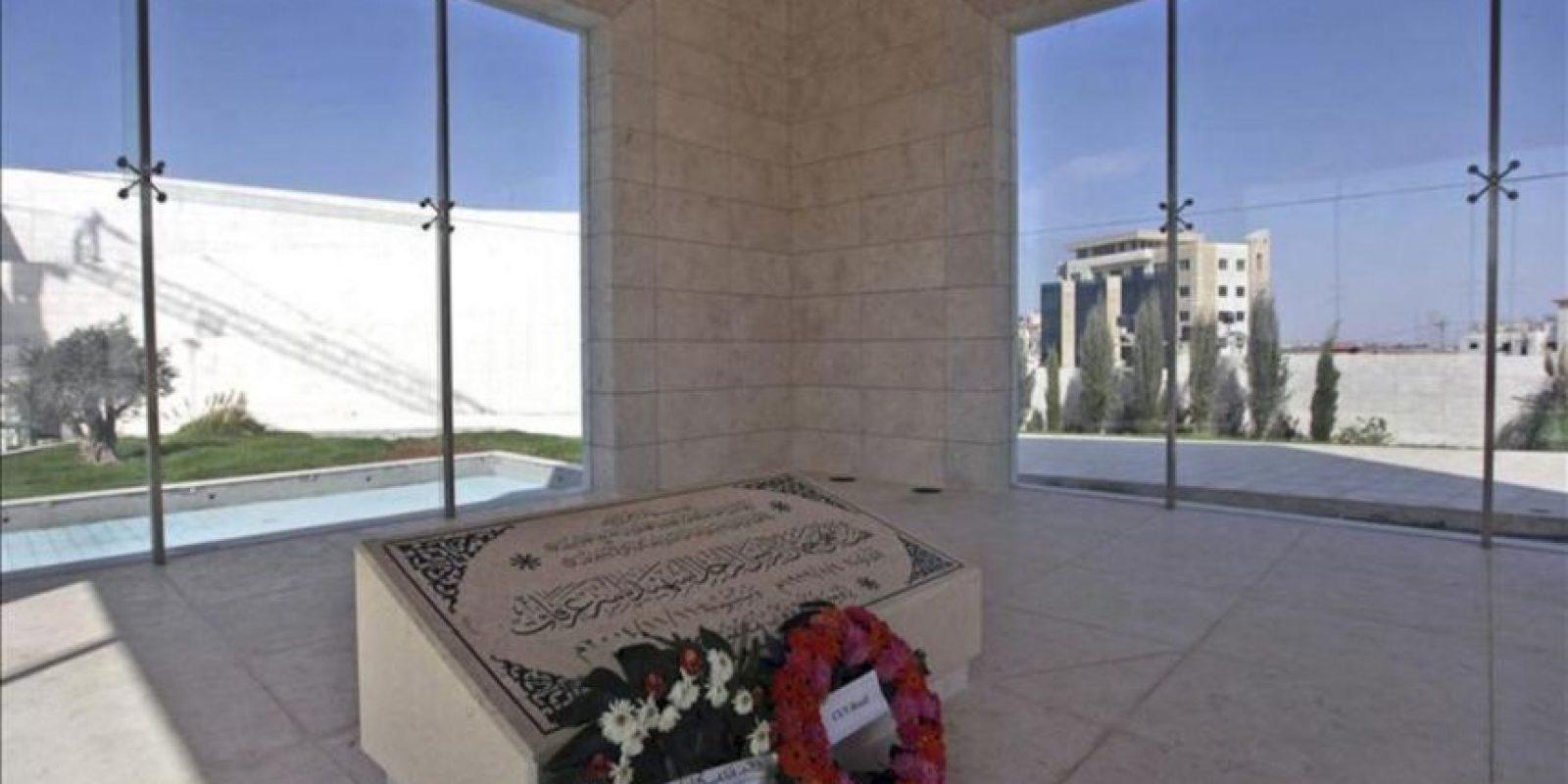 Imagen cedida el pasado mes de octubre, de la tumba del expresidente palestino Yaser Arafat en la ciudad cisjordana de Ramala. EFE/Archivo