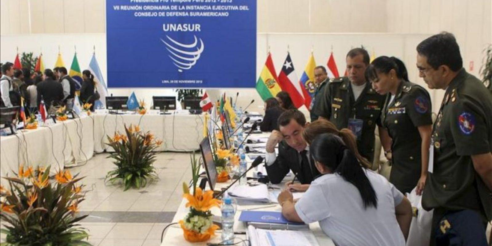 El Consejo de Defensa Suramericano (CDS) de la Unión de Naciones Suramericanas (Unasur) reunido en Lima, para debatir una serie de medidas para fortalecer al sector y aprobar su Plan de Acción de 2013. EFE
