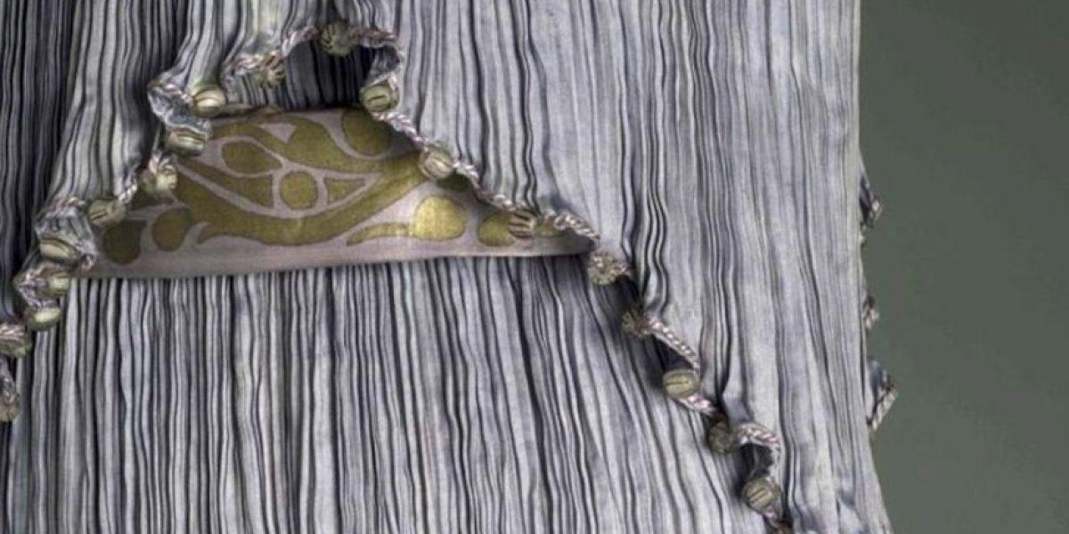 Los diseños de Fortuny que liberaron el vestir femenino se exhiben en Nueva York