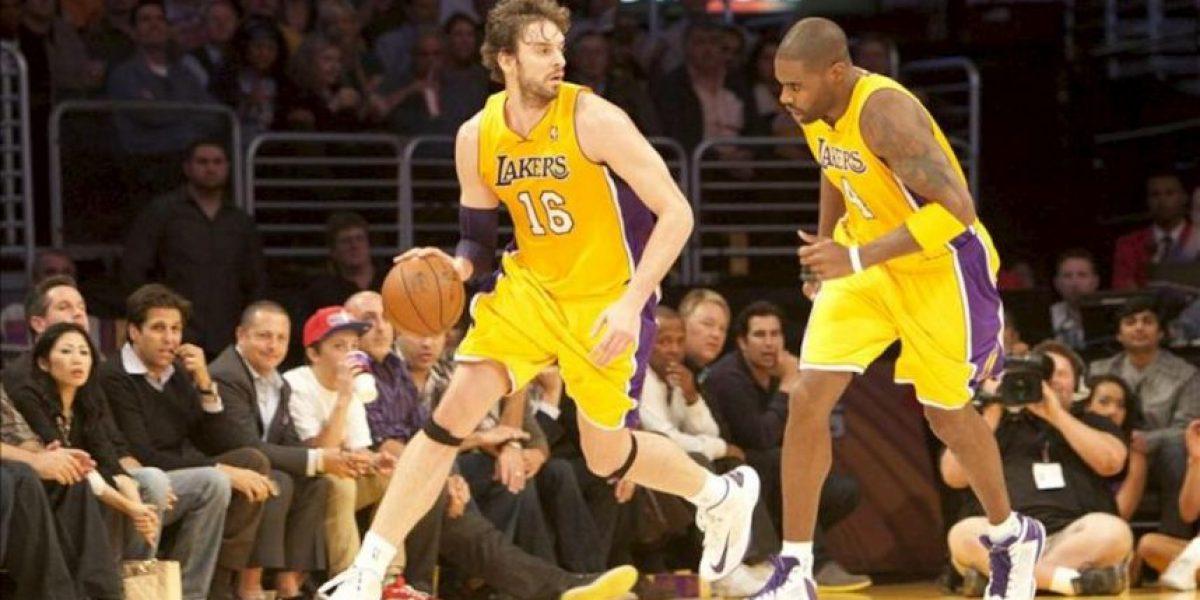 77-79. Ni 40 puntos de Bryant pudieron salvar a la peor versión de los Lakers
