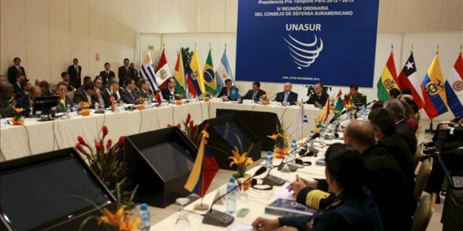 Vista general de la reunión de ministros de Defensa de la Unión de Naciones Suramericanas (Unasur) que se realiza en Lima (Perú), en la que aprobarán el Plan de Acción para 2013 del Consejo de Defensa Suramericano (CDS). EFE