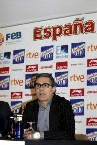 El seleccionador nacional de baloncesto, el italiano Sergio Scariolo, durante la rueda de prensa que ha ofrecido hoy en Madrid. EFE