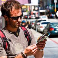 """Mapas y Folletos. Ahora es más fácil """"googlear"""" la información turística o tener simplemente una aplicación con la información Foto: Clipart"""