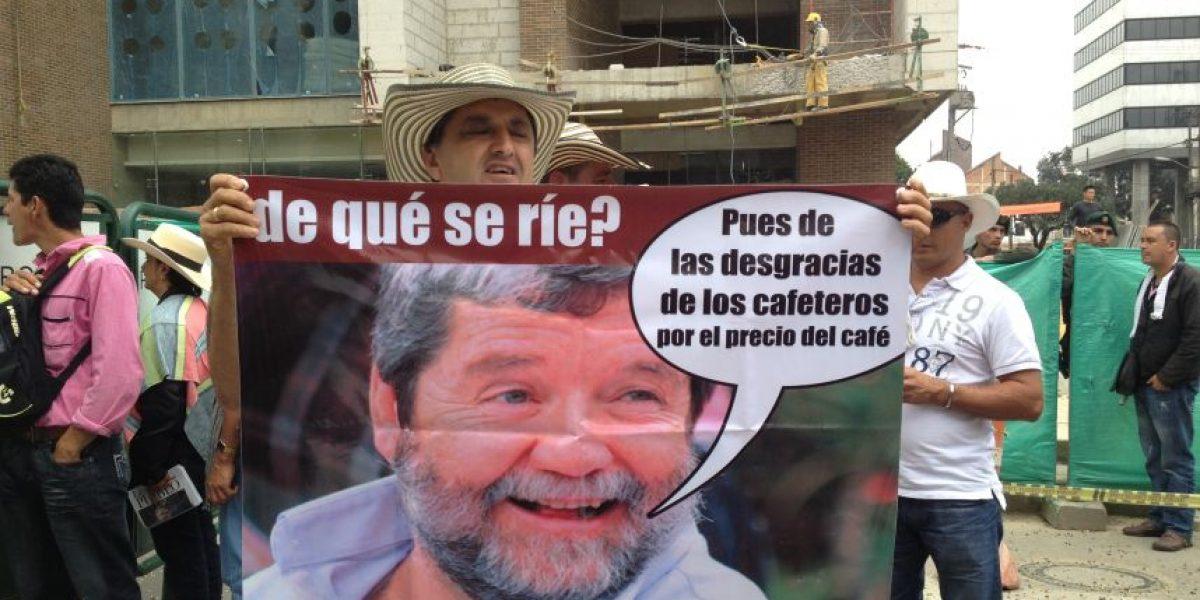 [Galería] Campesinos protestaron por crisis en el sector cafetero