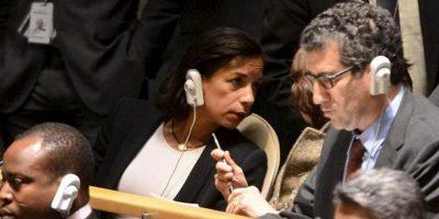 La embajadora de EE.UU. ante la ONU, Susan Rice (i), habla con un delegados en la Asamblea General de la ONU, en Nueva York (EE.UU.). EFE