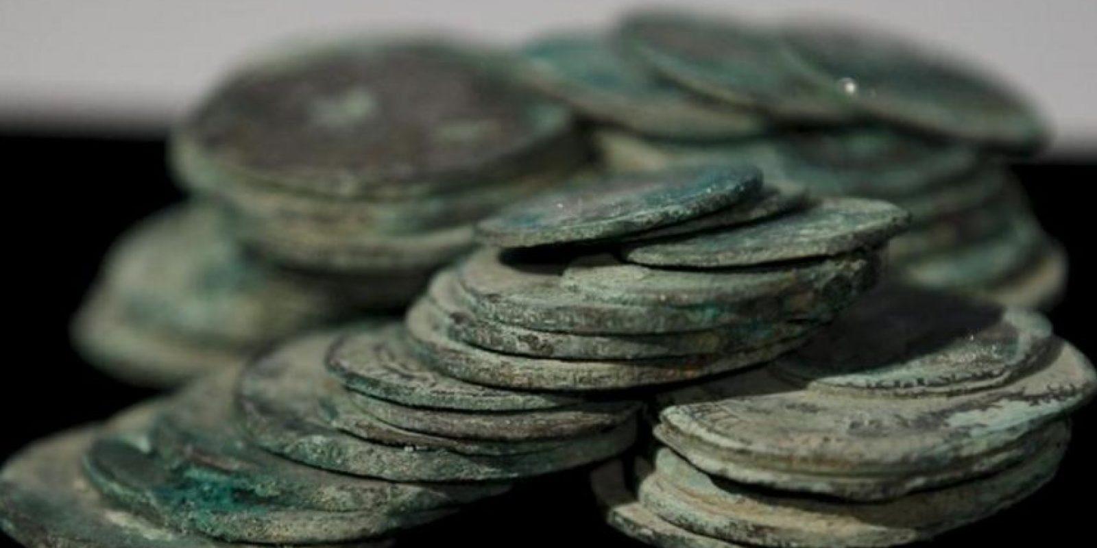 Monedas de dos y ocho reales de plata que forman parte del tesoro de la fragata 'Nuestra Señora de las Mercedes' del que, nueve meses de llegar a España, se hace hoy público su futuro incluido el proceso de restauración, conservación, documentación y exposición del patrimonio rescatado. EFE