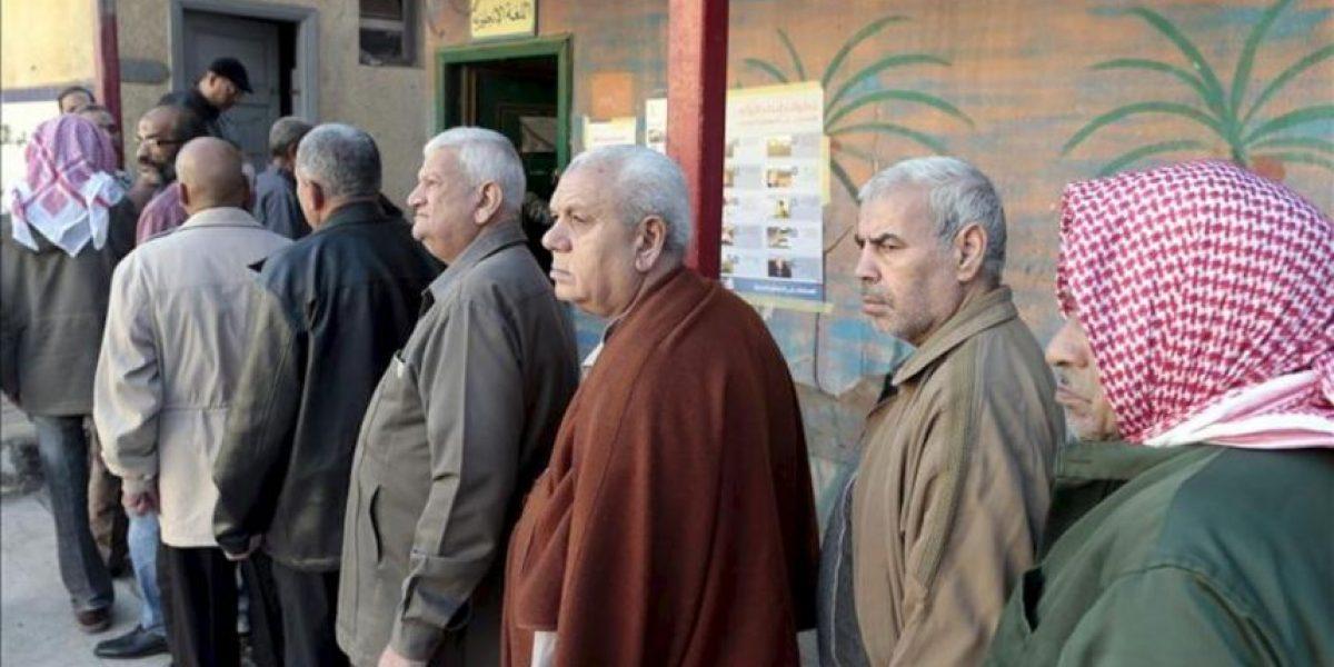 La dimisión del vicepresidente y las irregularidades marcan las elecciones en Egipto